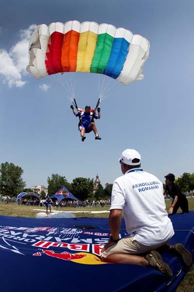 Red Bull Ordinul Smaranda | concurs de parasutism